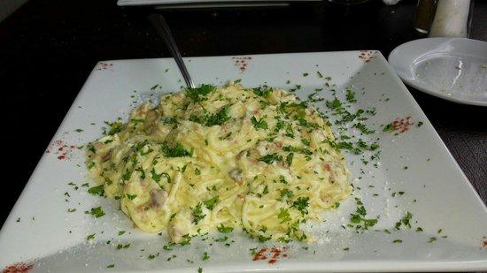 La Dolce Vita Manteo: Pasta Carbonara