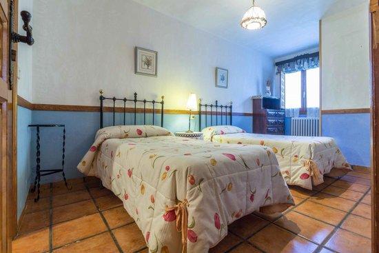 Casas Rurales Noguericas: habitacion casa ocho