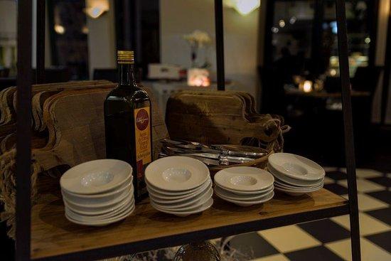 Le mirage: restaurant