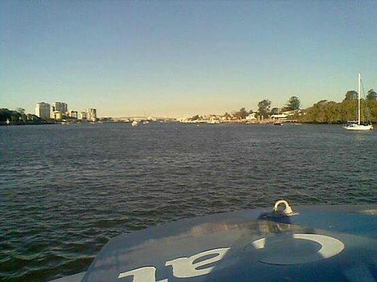 CityCat Ferry : Down river to Hamilton