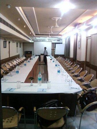 Amar Inn Hotel: Conference Hall