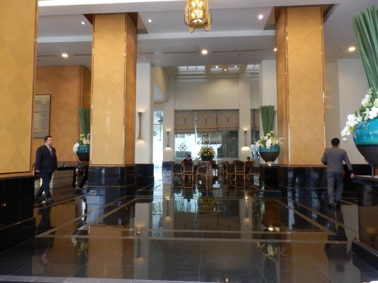 Grande Centre Point Hotel Ploenchit: Lobby