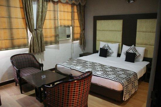 Amar Inn Hotel: Deluxe Room