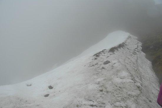 Ben Lomond: Snow next to the top