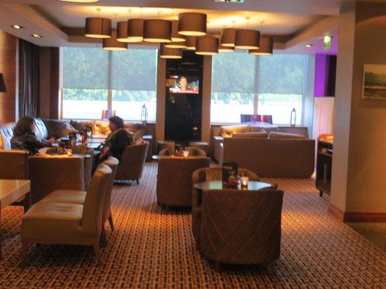 Thistle Kensington Gardens: Lounge/restaurant