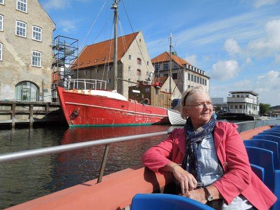 Stromma Canal Tours Copenhagen : City canal