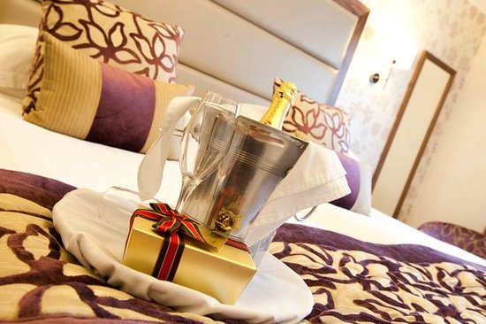 The Skiddaw Hotel: Treat yourself to champagne in your room on arrival