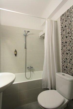 Pan Hotel: Bathroom