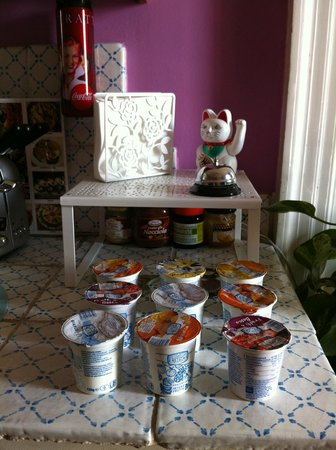 Bianca B&B and Apartments: Angolo yogurt