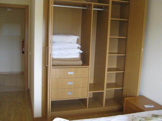 Quinta Polaris Garvetur: high quality bedroom furniture