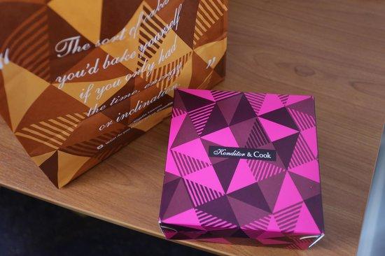 Konditor & Cook - Waterloo: Pretty box and Bag!