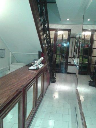 Mari Plaza Hotel : Acceso