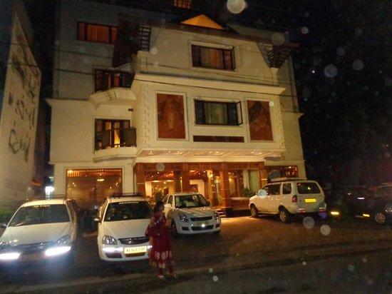 Grand Thekkady: front view hotel