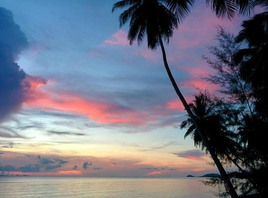 Lipa Bay Resort : Sunset