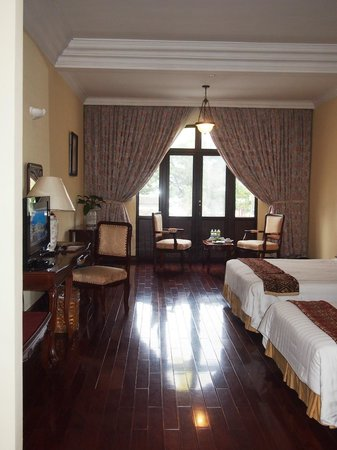 Hotel Saigon Morin: King Deluxe Guest Room with extra bed