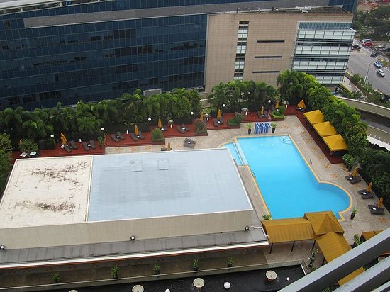Swimming pool picture of marina mandarin singapore - Marina mandarin singapore swimming pool ...
