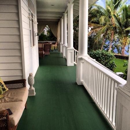 The Palms Cliff House Inn: lanai