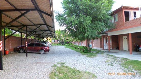 Hostería Postal De Las Sierras: Estacionamiento