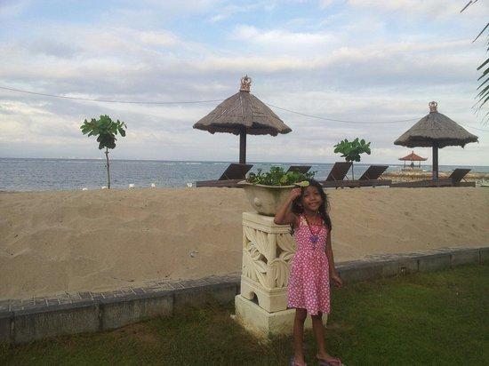 Sadara Boutique Beach Resort : Nice Private beach behind the hotel
