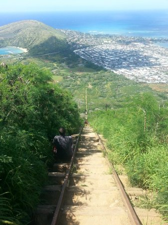 Koko Crater Trail: View from the middle