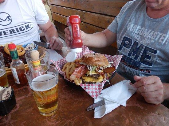 Oscar's Cafe: Burger !!