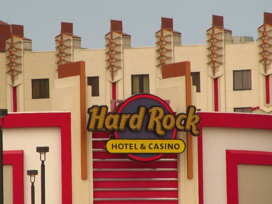 Hard Rock Hotel and Casino Tulsa: Outside
