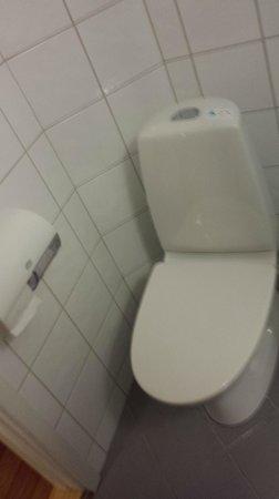 Thon Hotel Storgata: The toilet