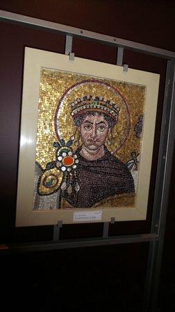 Erboy Hotel: мозаика из италии юстиниан великий