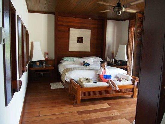 Tanjong Jara Resort : Serambi Room (main bed).