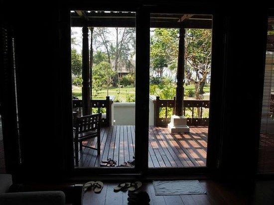 Tanjong Jara Resort : Serambi Room (looking out into the garden).