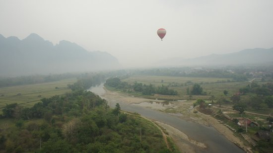 Balloons Over Vang Vieng : Where the birds fly