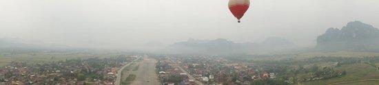 Balloons Over Vang Vieng : Ballooning over Vang Vieng