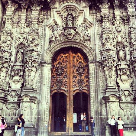 Metropolitan Cathedral (Catedral Metropolitana): Frente de la Catedral Metropolitana - Puerta Principal