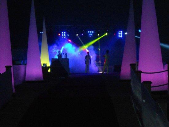 Club Mega Saray: вечеринка на пирсе