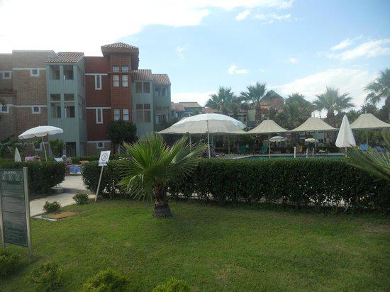 Club Mega Saray: территория отдыха
