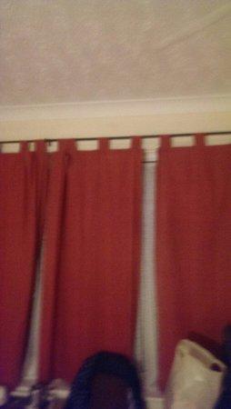 Hotel Burlington : Curtains dont fit