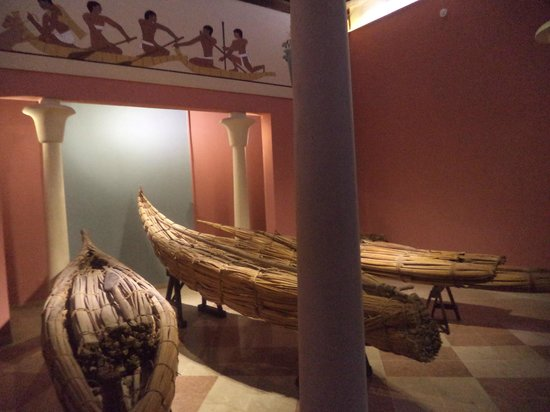 "Museo del Papiro ""Corrado Basile"": barhe"