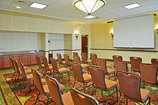 Hilton Garden Inn Oconomowoc: Meeting Space