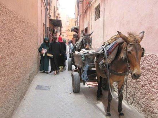 Le Gallia: Marrakesh side street