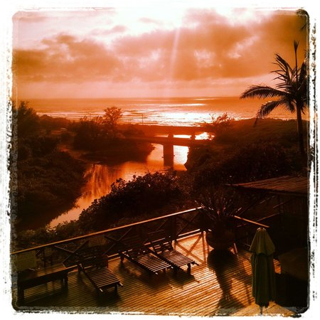 Mzimayi River Lodge: Photo through shades