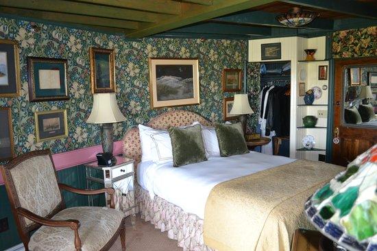 Land's End Inn : Tiger Lily Room