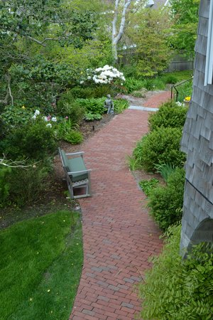 Land's End Inn : Their grounds and landscaping are well done