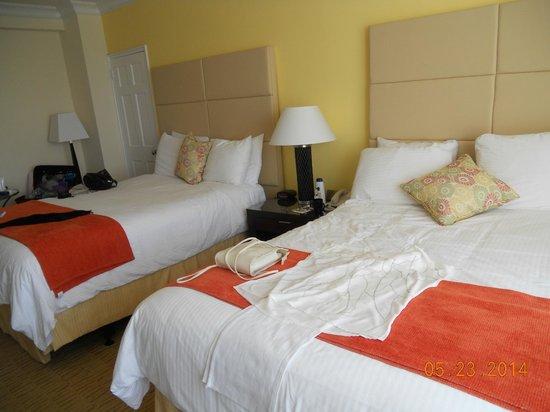 Sea View Hotel: Las camas