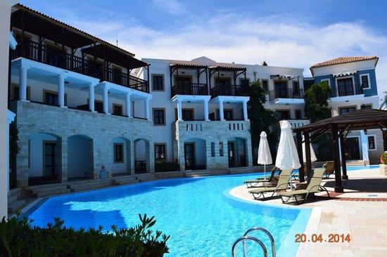 Aldemar Royal Mare Thalasso Resort : Swimming pool