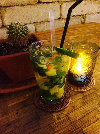 La Mexicana: Pineapple mojitos