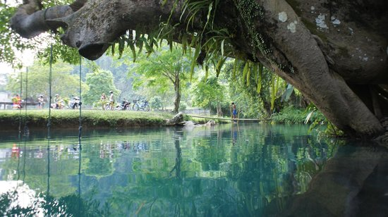 Tham Phu Kham Cave and Blue Lagoon: During low season the lagoon has just the right amount of tourists