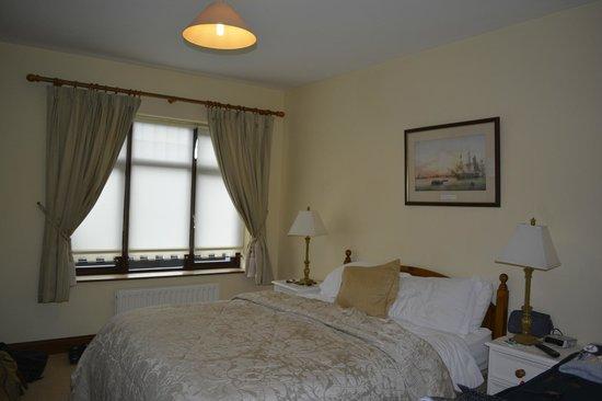 Bunratty Villa: Our Room