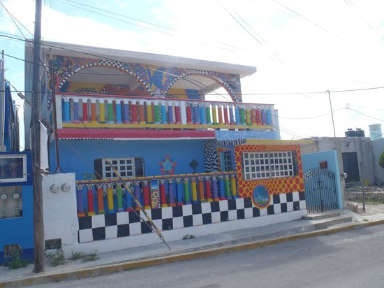 Crayola House: Colorful