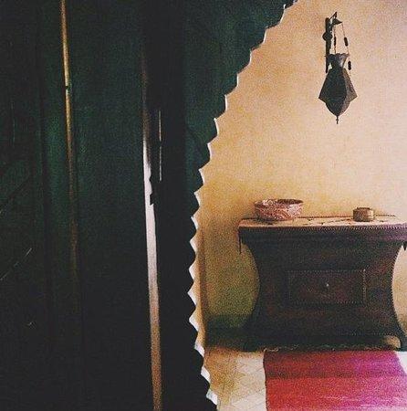 Dar Zemora: Ever corner of every corridor is perfect