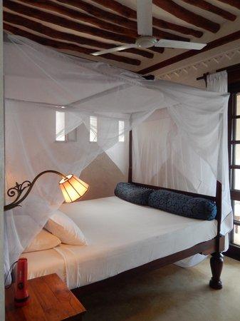 Lamu House Hotel: Sea facing bedroom